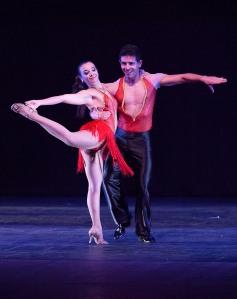 Cia. de Dança Washington Passos e Carina Trombim- Crédito HMarin Fotografias