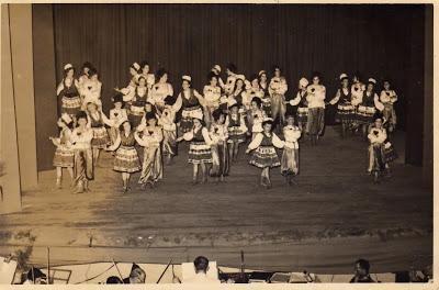 1ª Apresentação da Escola de Danças Clássicas Albertina S. de Ganzo - TAC 1952
